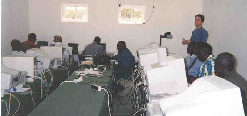 Impact Workshop Computer Lab, Praia 2000
