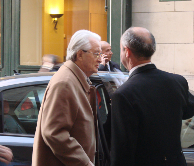 Roland Dumas, former foreign minister, arrives at the Constitutional Council, Paris, France, for an anniversary ceremony, on Mar. 5, 2009. Flickr/Creative Commons, Jean-Pierre Dalbéra.