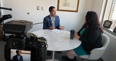 Carlo interviews Elizabeth Kronk Warner