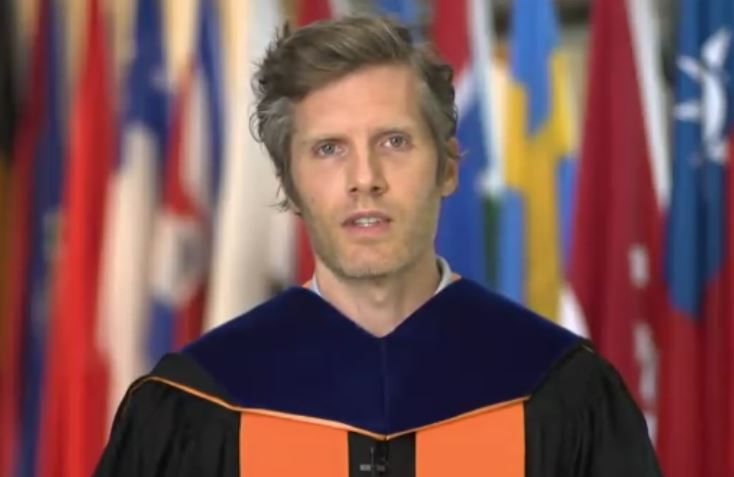 Prof. Tom Dannenbaum commenecement 21