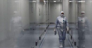 "Professor Chris Miller: ""Kremlin Spin Doctors are Leading Russia's Vaccine Development"""