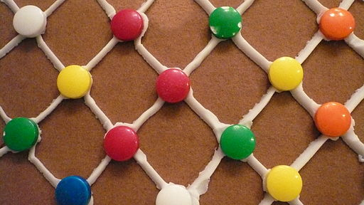 512px-Gingerbread_house_lattice_wall