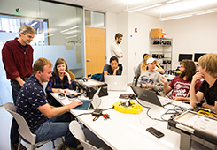 Students collaborate in a robotics class taught by Professor Chris Rogers, in the Science and Engineering Complex (Anna Miller/Tufts University)