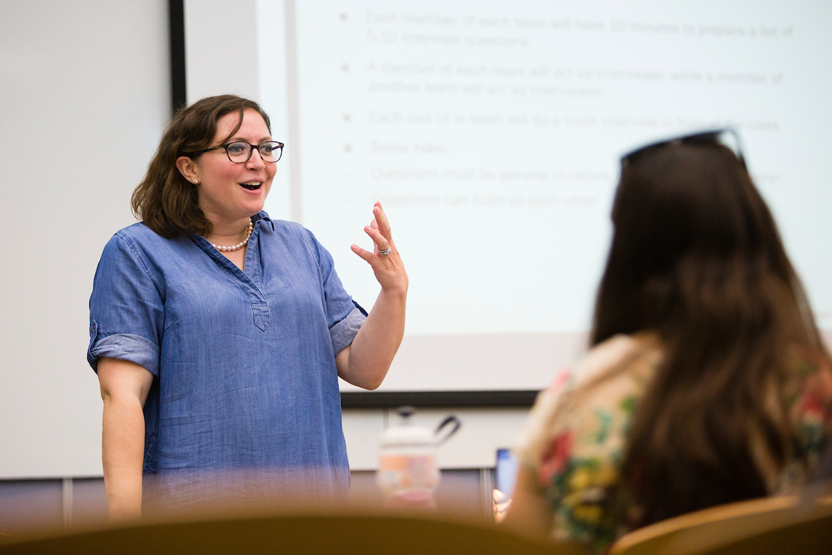 Jessica Deckinger teaches a nutrition and entrepreneurship class at Tufts' Health Sciences Campus on June 13, 2017. (Anna Miller/Tufts University)
